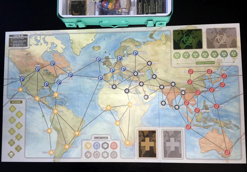 pandemic-10eme-anniversaire-plateau