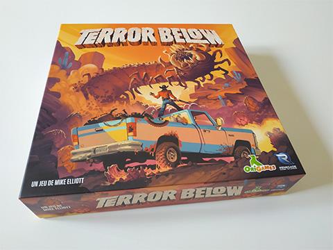terror-below-boite